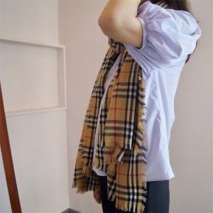 Burberry/巴宝莉中文官网披肩博柏利Vintage 格纹轻盈羊绒围巾80217421