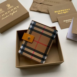 Burberry巴宝莉官方网站博柏利短款两折钱包Vintage 格纹搭扣卡包40734311