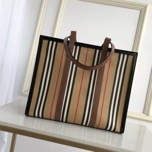 Burberry巴宝莉美国官方网博柏利小号条纹帆布横版托特包购物袋80247861