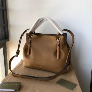 Burberry官网巴宝莉正品包包经典款荔枝纹牛皮变形包元宝包39412411