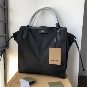 Burberry官网巴宝莉包包价格博柏利男女通用尼龙防水休闲手提包购物袋