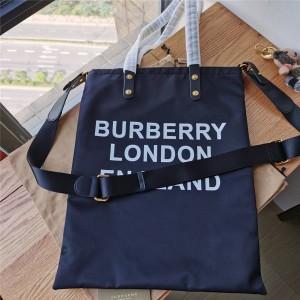 Burberry/巴宝莉中国官网博柏利新款字母LOGO印花徽标尼龙托特包