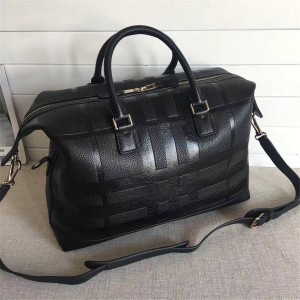 Burberry官网巴宝莉价格男包格纹压花皮革手提包旅行袋39767441