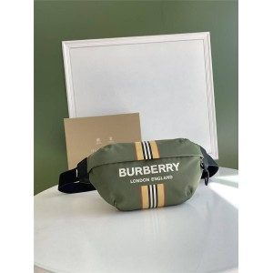 Burberry官网巴宝莉Sonny徽标拼标志性条纹印花 ECONYL® 苏尼腰包80357661