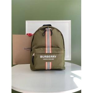 Burberry/巴宝莉香港官网徽标拼标志性条纹印花 ECONYL® 双肩包80357651