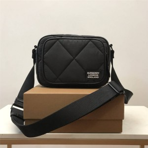 Burberry巴宝莉包包官网价格博柏利菱形绗缝棉质斜背包相机包80423811