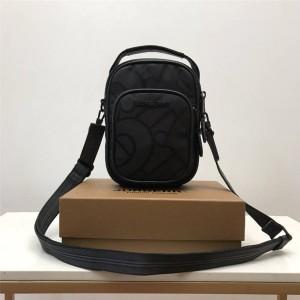 Burberry官网巴宝莉经典款包包专属标识再生聚酯纤维提花斜挎包80430881