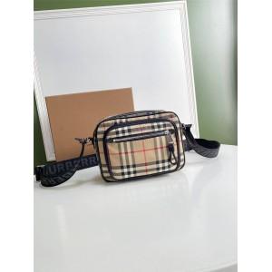 博柏利burberry包包官网巴宝莉Vintage 格纹拼皮革斜背包相机包80101521